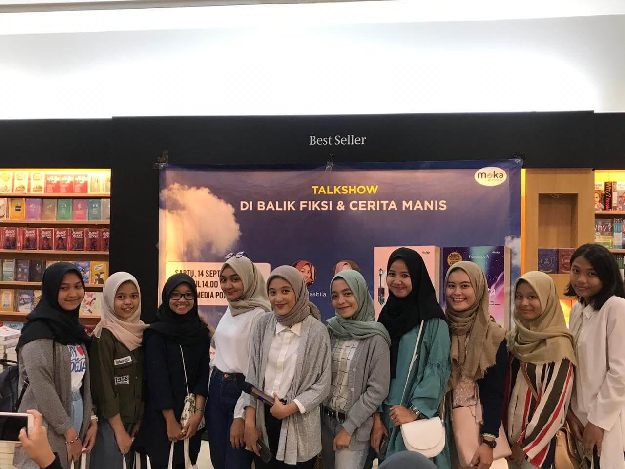 Fitur talkshow _Di Bali Cerita Manis_